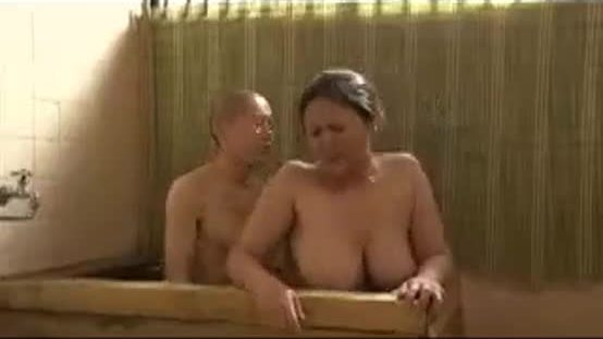 Amateur japanese mom and not her son having fun time in bath
